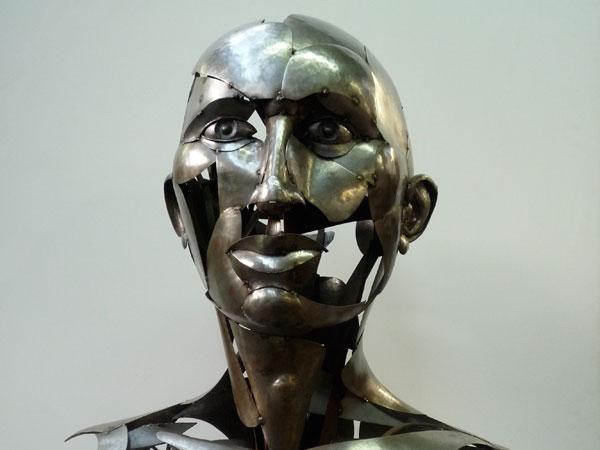 Favorit Sculpture : Tête d'homme en acier martelé | ATELIER369 FN52